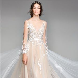 Saros by Willowby - new unaltered wedding dress